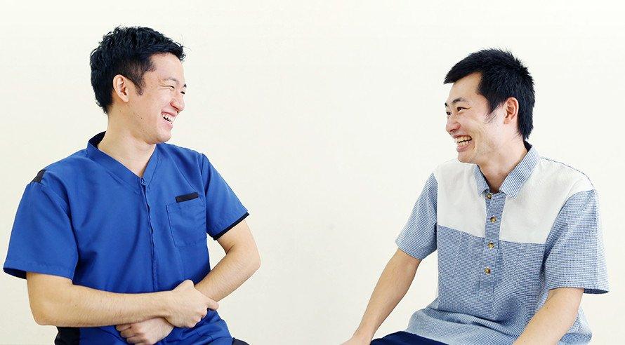 特養 機能訓練指導員 堤竹 徹と特養 介護職員 駒村 忠成